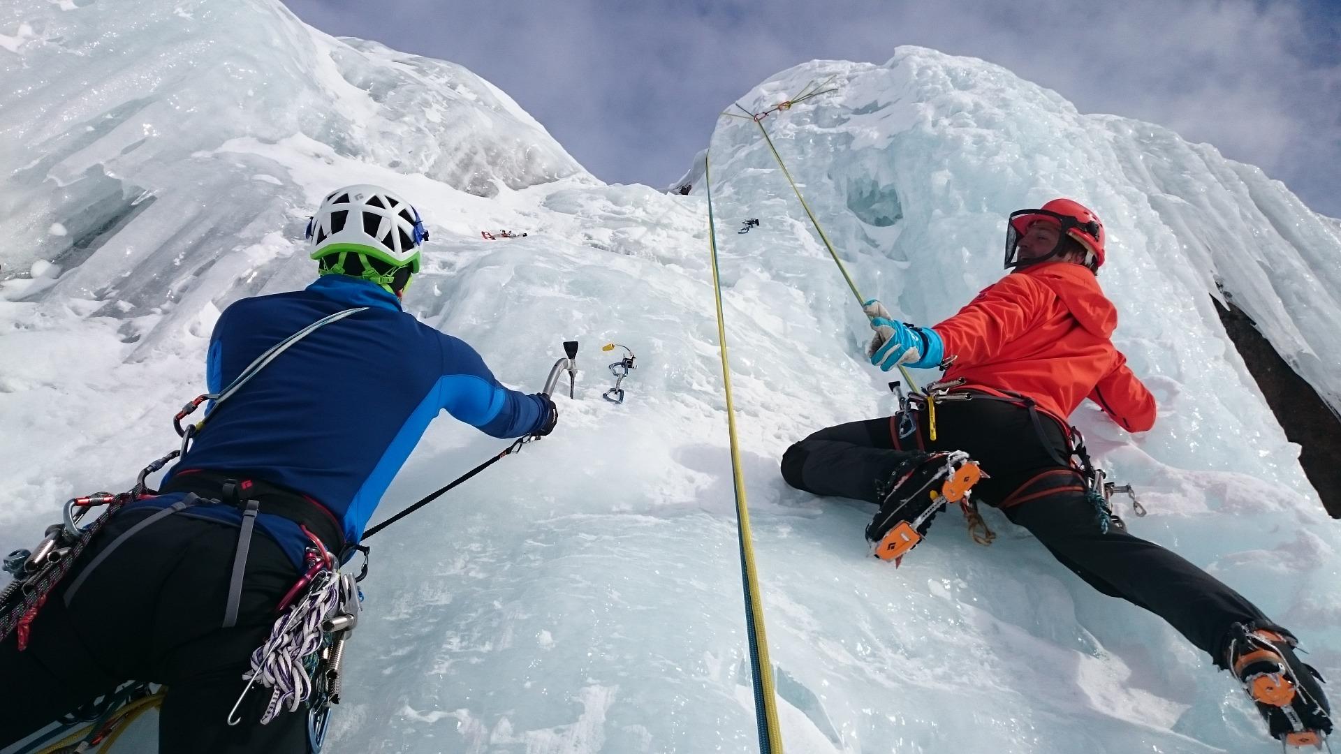 ice climbing 1247606 1920